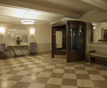 993-Lobby (12).jpg