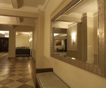 993-Lobby (2).jpg